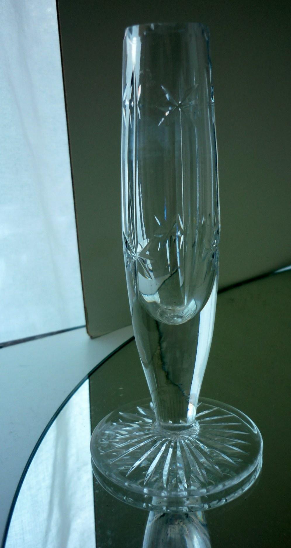 """1930s vintage """"Tudor Crystal"""" Bud Vase"""