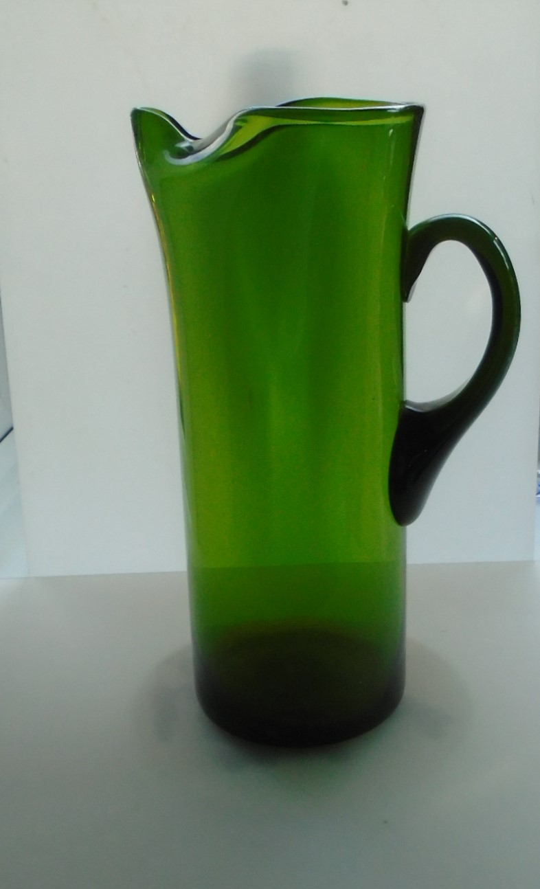 1970s WHITEFRIARS  MEADOW  GREEN GLASS WATER / MARTINI JUG WITH ICE LIP.