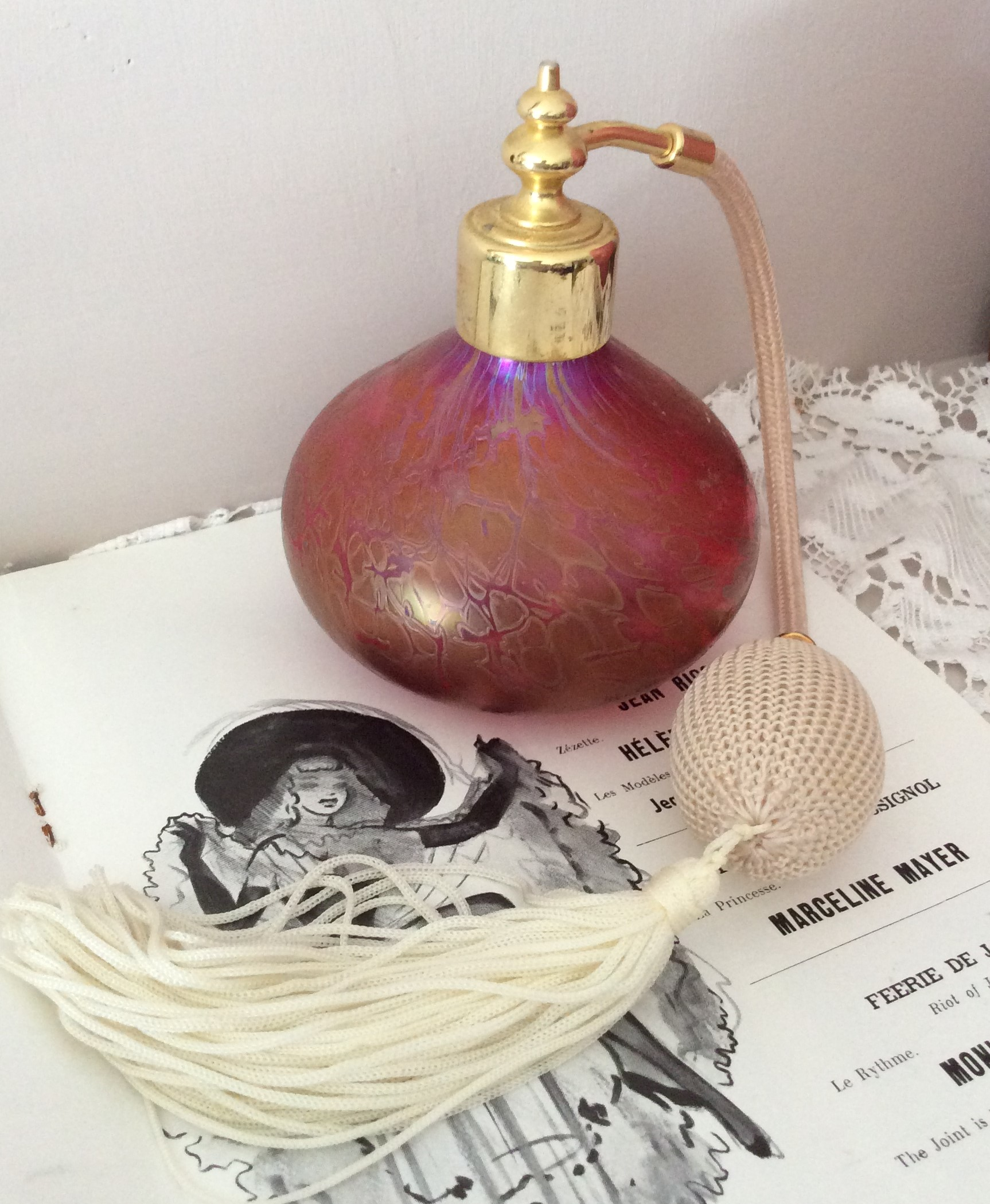 Stunning Vintage Iridescent Pink Royal Brierley Studio Glass Perfume Bottle Atomiser