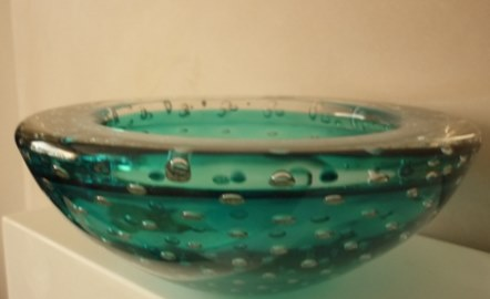 13cms diameter Whitefriars controlled bubble dish in Kingfisher