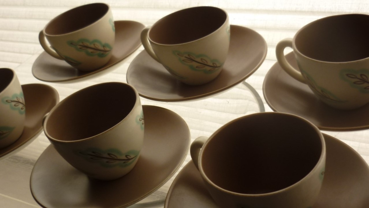 set of 6 vintage Poole Pottery Feather Drift Coffee cups and saucers.