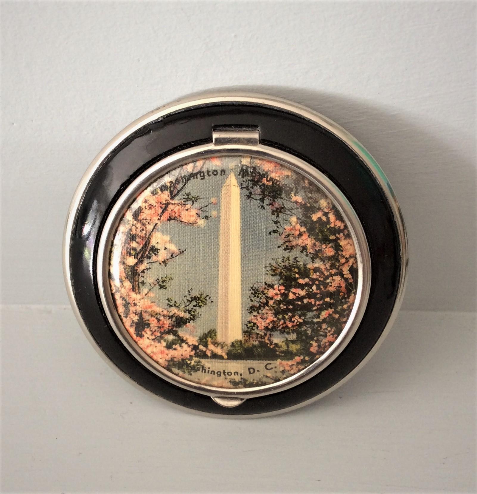 Vintage Collectable 30s Black Enamel Loose Powder Washington DC Monument Powder Compact