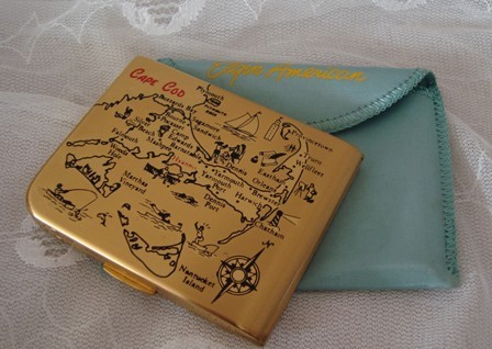Vintage ELGIN Cape Cod Powder Compact with pouch