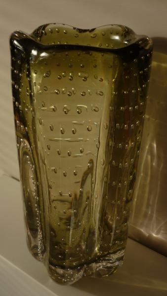 Whitefriars Pattern 9771 Geoffrey Baxter 1974 Sage Lobed contolled bubble vase