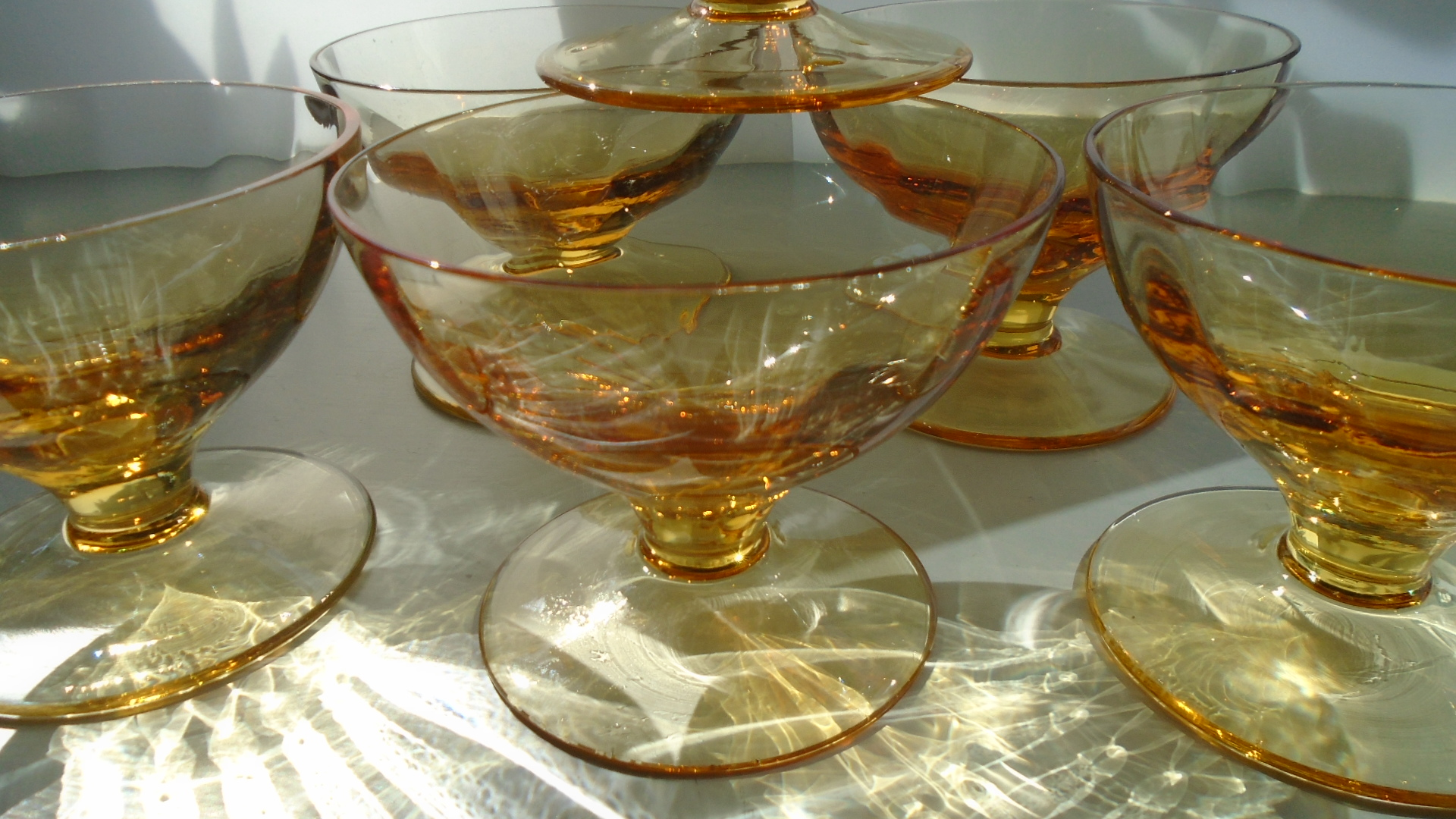 SET OF 6no SUPER CONDITION 50s VINTAGE WHITEFRIARS GLASS AMBER PATTERN M91 SUNDAE DISHES by William Wilson as  seen in the 1957 Catalogue.