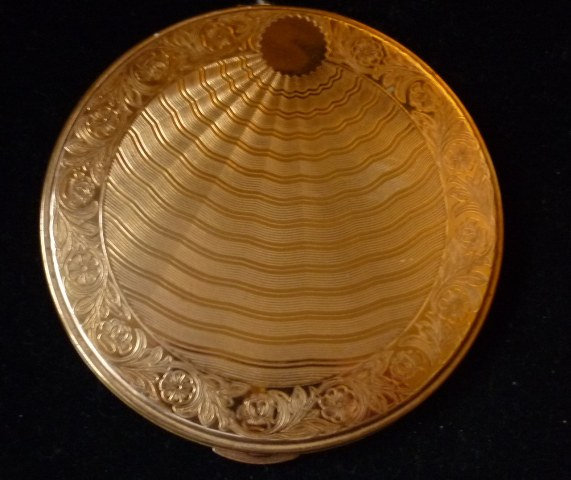Large 10.5cms diameter Brass Mascot Flapjack Powder Compact.