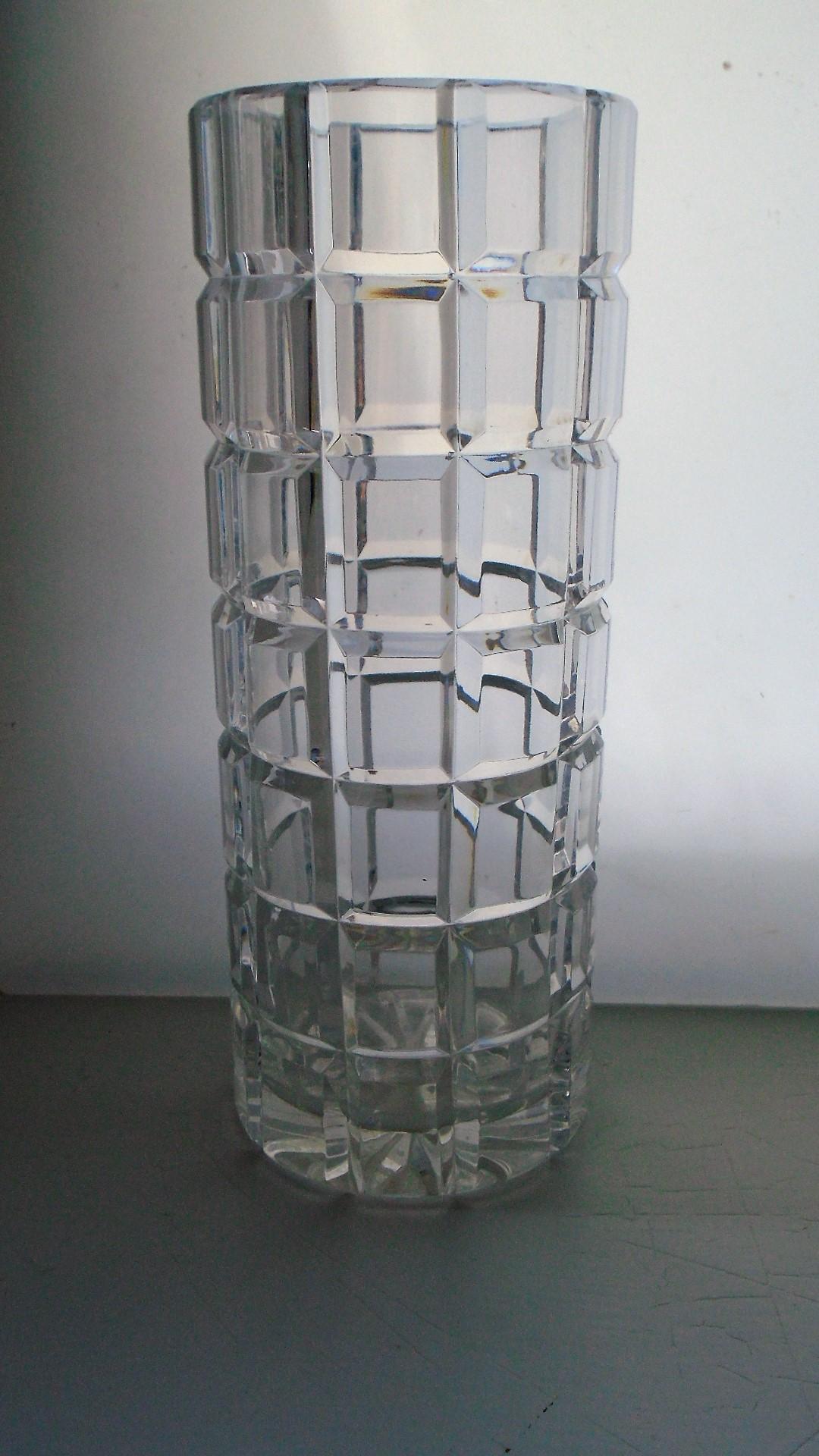 Vintage Modernistic Quality Crystal Polish Block Facetted Glass Vase