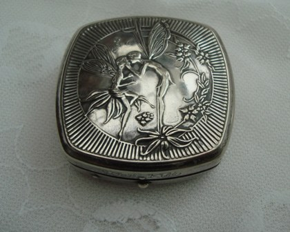 Art Nouveau 20s Djer-Kiss Kerkoff Kissing Fairies Powder & Rouge Compact