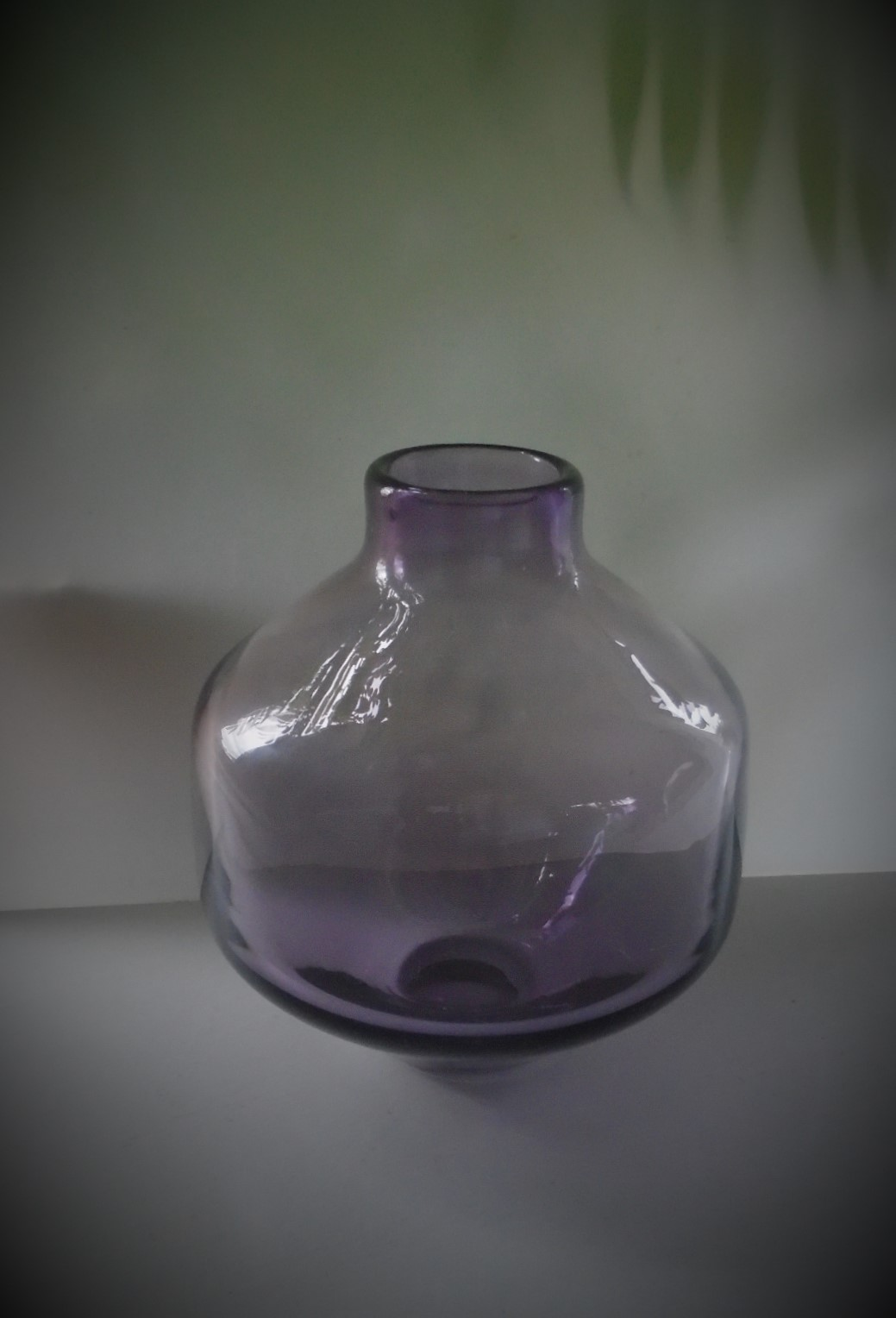 16.5cms high vintage Wedgwood amethyst angular vase designed by Ronald Stennett- Willson pattern No. RSW10