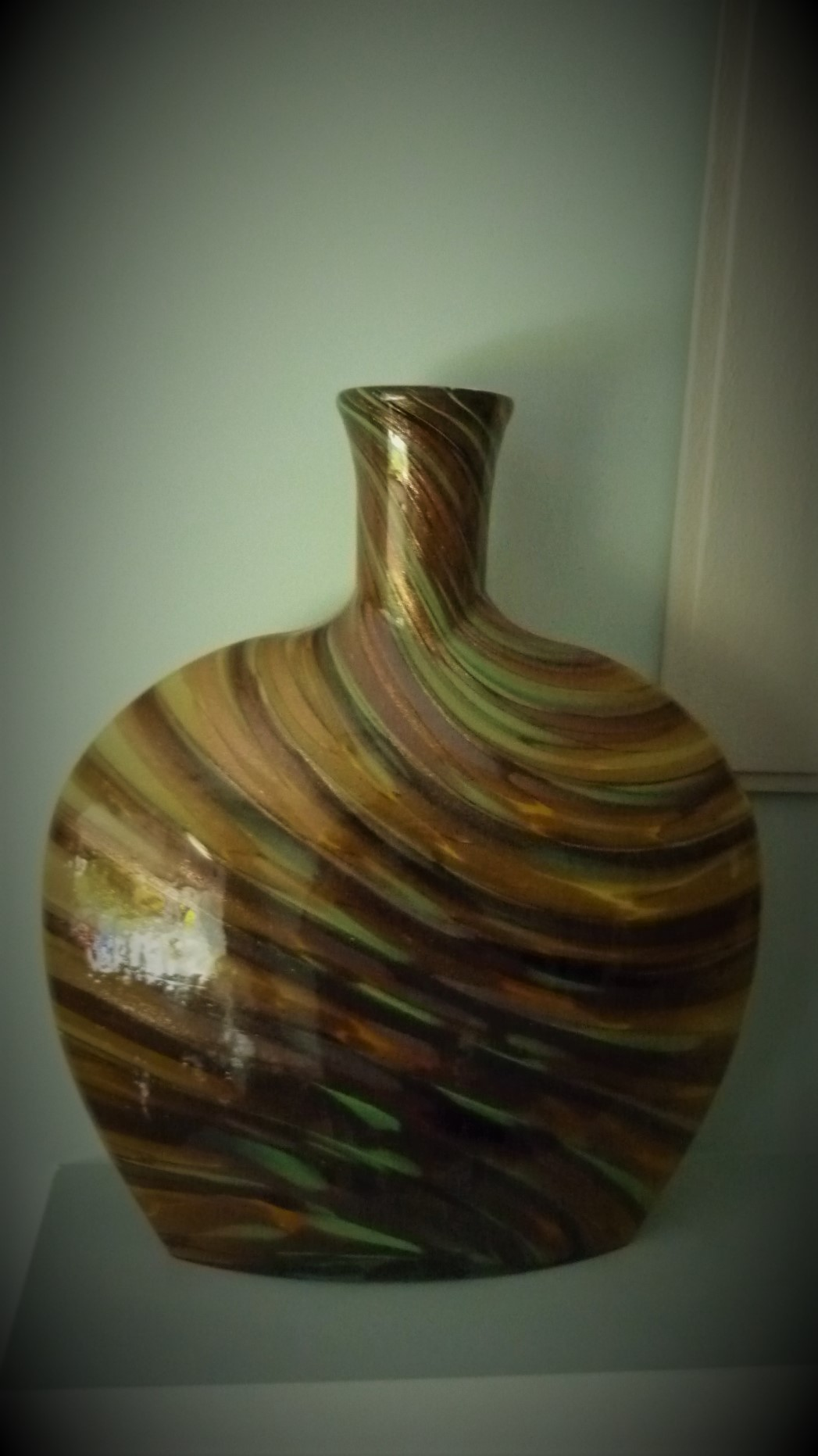 Stunning piece of Italian Style Studio Glass Bottle vase.