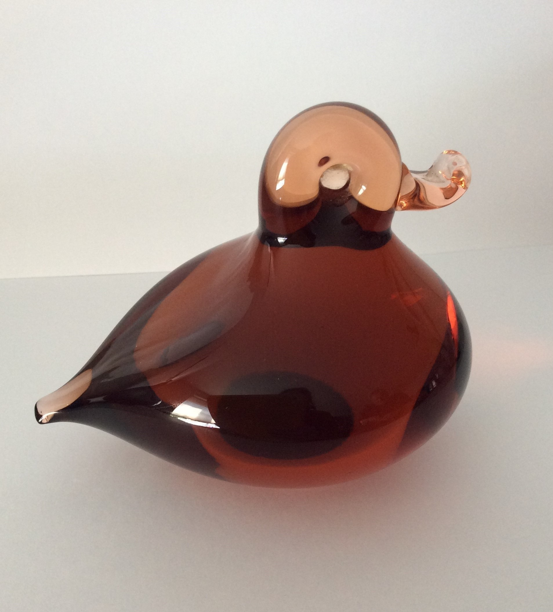 1970s vintage Wedgwood Ronald Stennett-Willson topaz glass paperweight of a duckling.