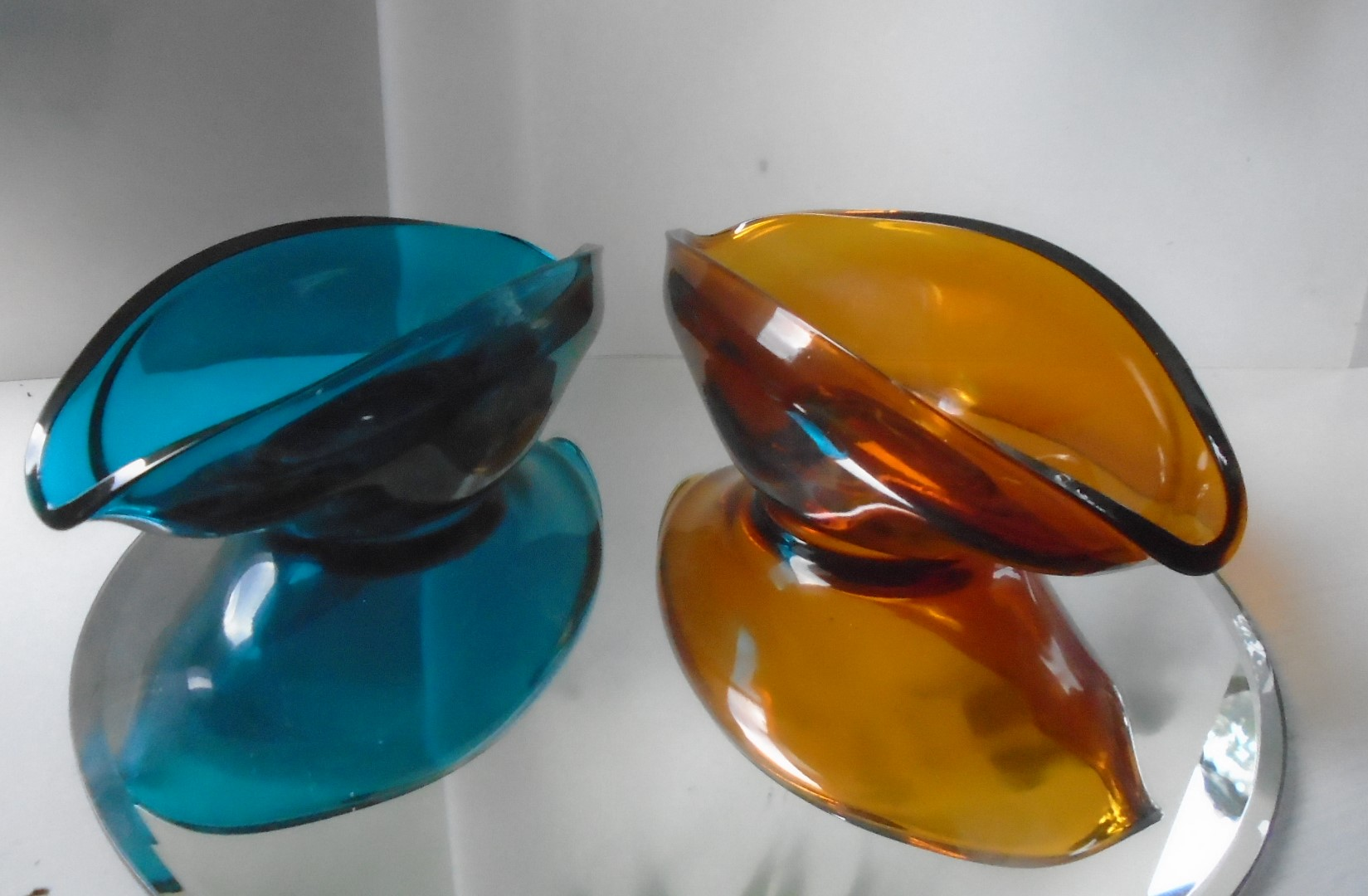 Pair of English Maker Sowerby 60s vintage boat shaped bowls in Amber and Petrol Blue Pattern No.2802.