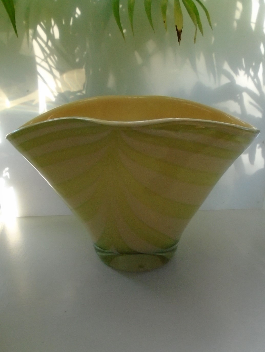 Large stunning 60s VINTAGE MURANO GLASS BOWL in Peach with a light green swag decoration.  29.5cms wide and 18.5cms high