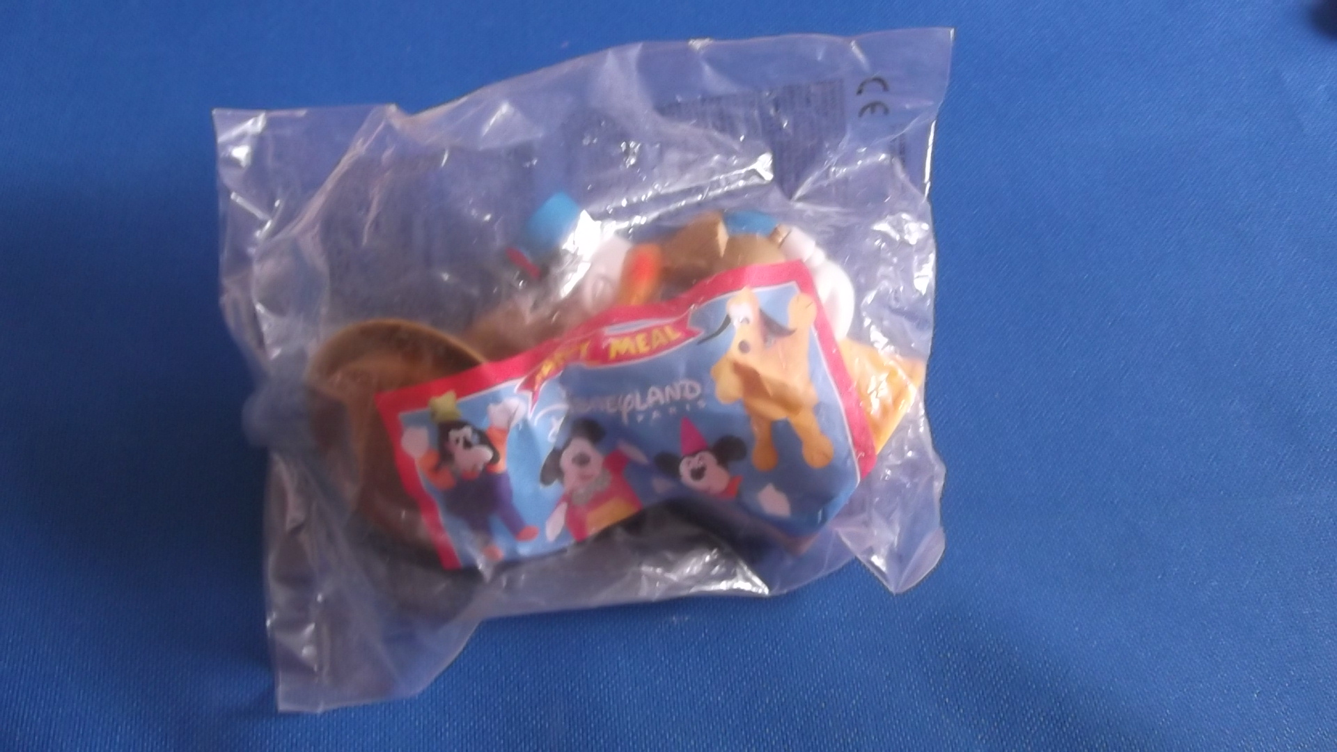 McDonalds Disneyland Paris Donald Duck Toy From 2001 New