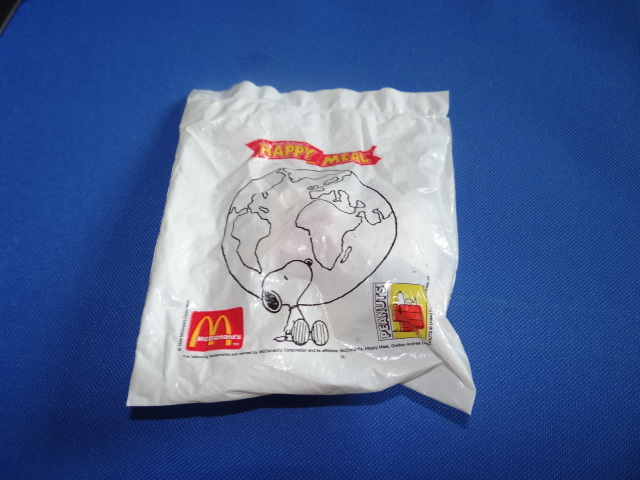 McDonalds Snoopy Around The World China Toy From 1999 New