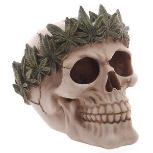 Teschio soprammobile corona di marijuana