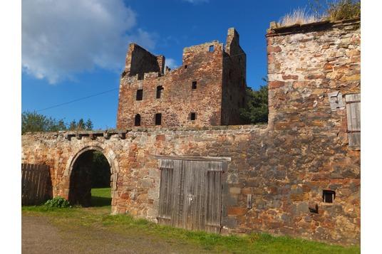 Redhouse Castle Hamilton