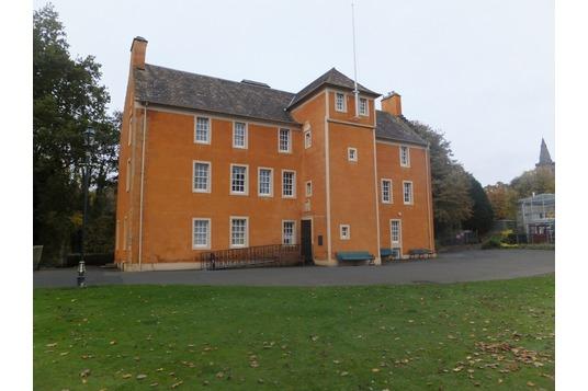 Pittencrieff House, Dunfermline