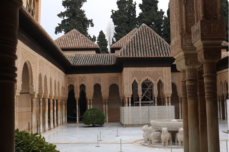 photo_of_granadas_ancient_alhambra