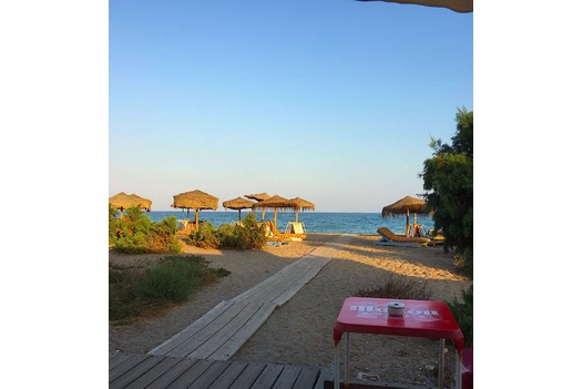 photo_taken_from_the_table_of_a_VP_beach_bar