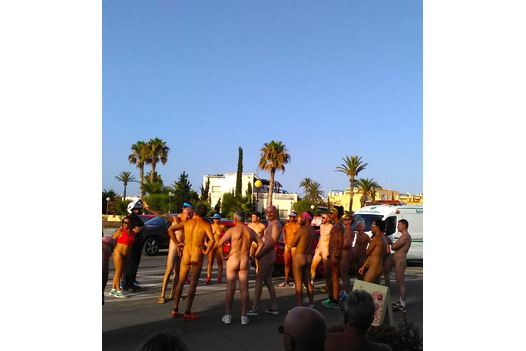 photo_of_naked_run_start_line