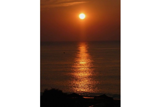 photo_of_sunrise_taken_from_Mediterráneo_terrace