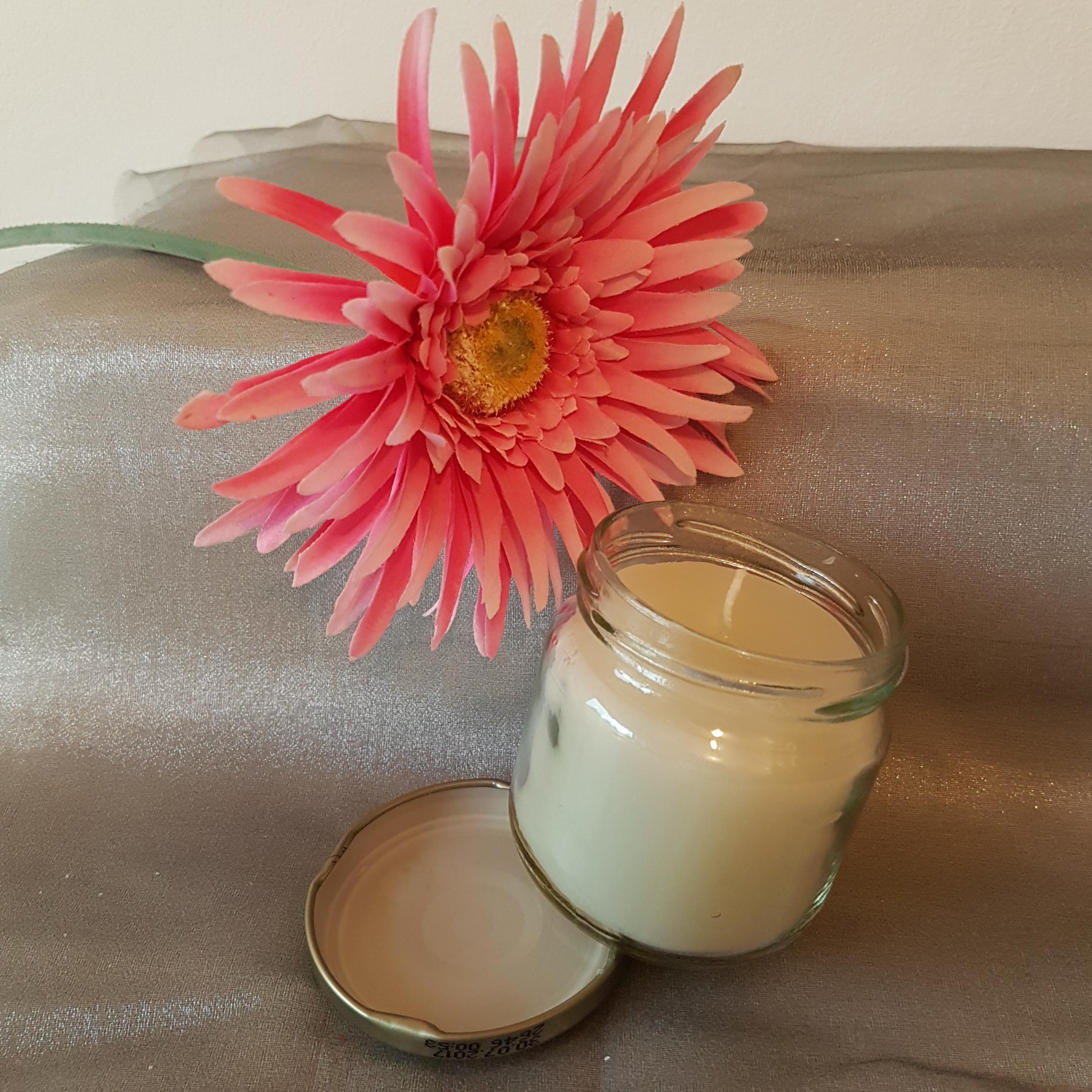 Glaskerze weiß in Einmachglas mit Deckel