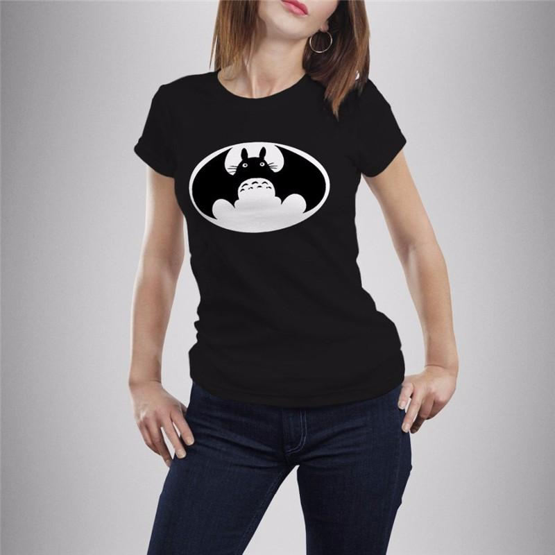 Camiseta Totoro Batman Negra Mujer.