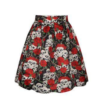 Falda de rosas y calaveras