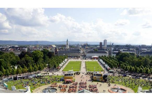 Fest auf dem Schlossplatz.