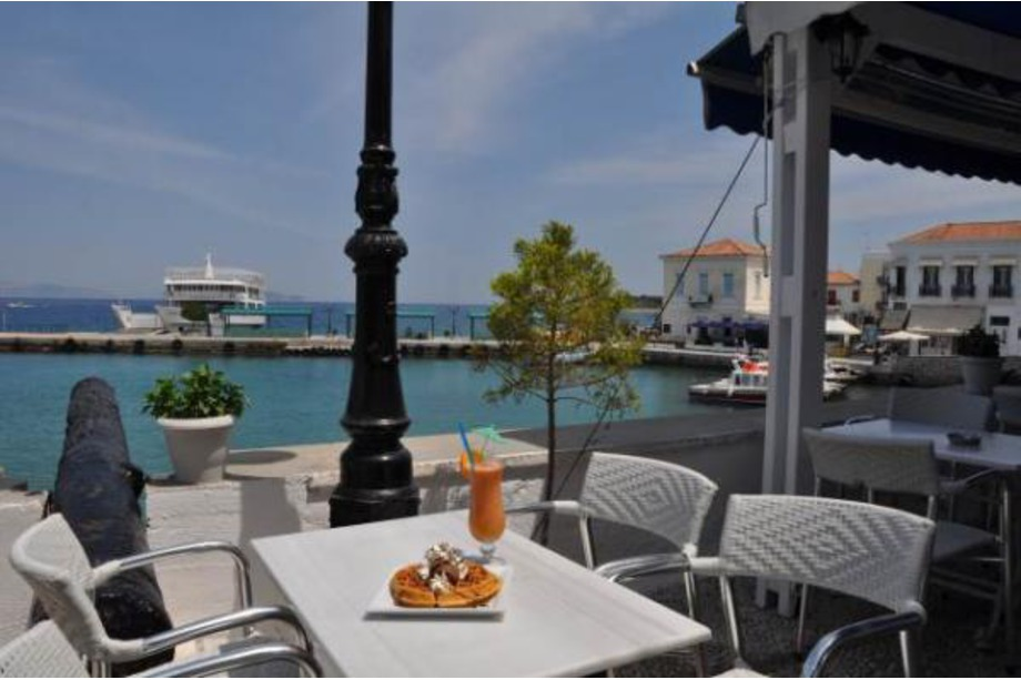 Eating Out on Spetses Island.