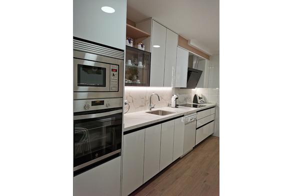 cocina blanca brillo