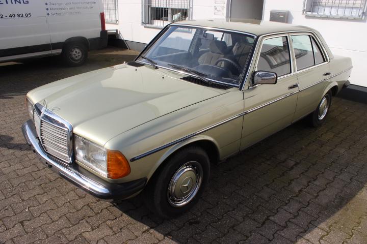 Mercedes-Benz W123 Typ 200 Limousine Top Zustand!!!