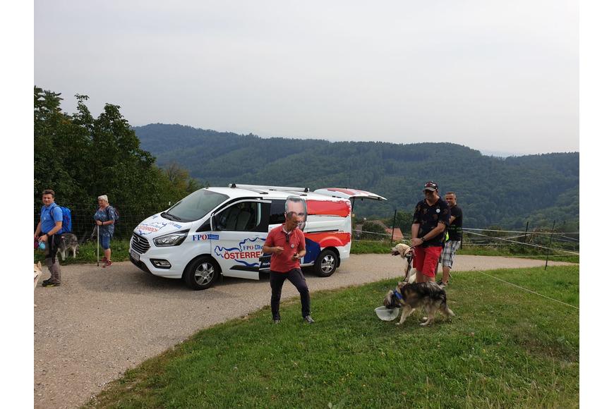 FPÖ Graz Begleitwagen