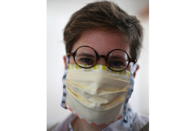 """wiederverwertbare """"Mund- & Nasen-Maske"""""""