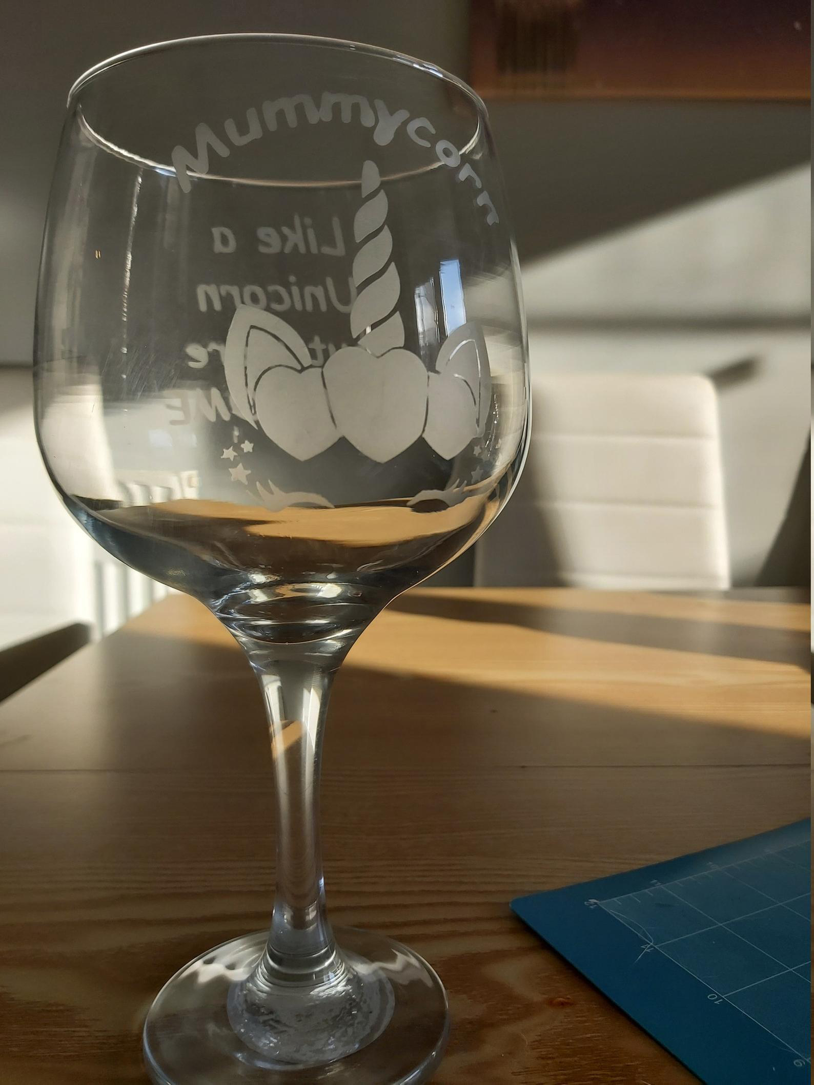 Large Double Sided Acid Etched 'Mummycorn' Wine Glass. Perfect for Mothers Day or Birthday.