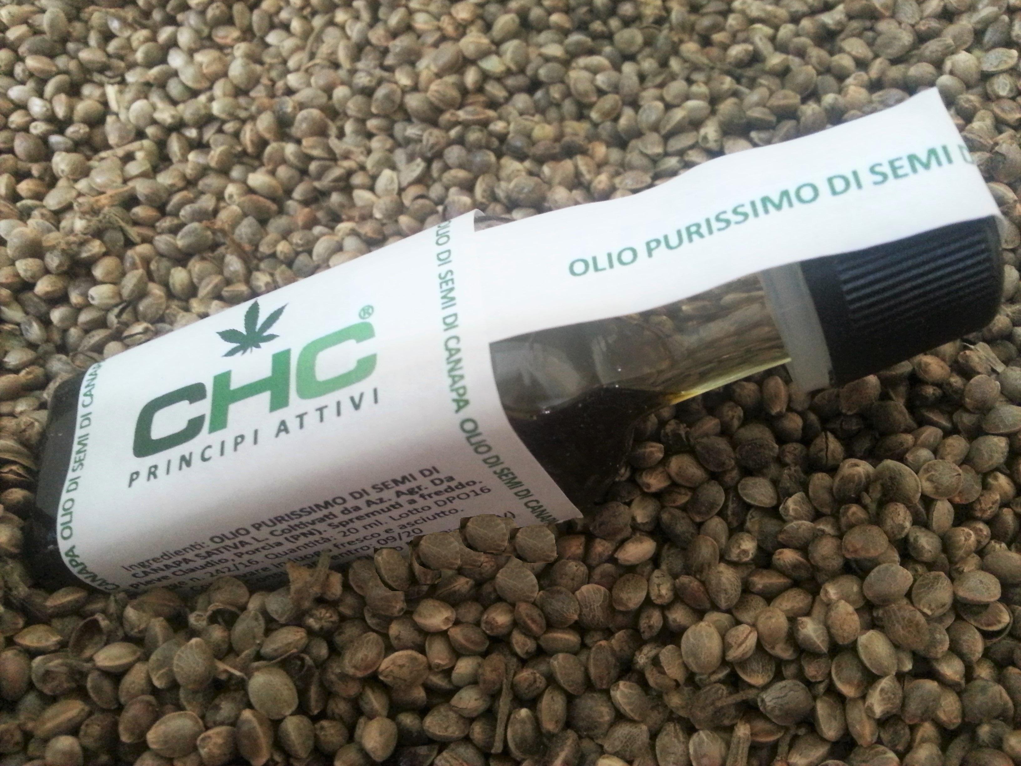 Olio Purissimo di semi di Canapa Sativa L. selezionati e spremuti a freddo