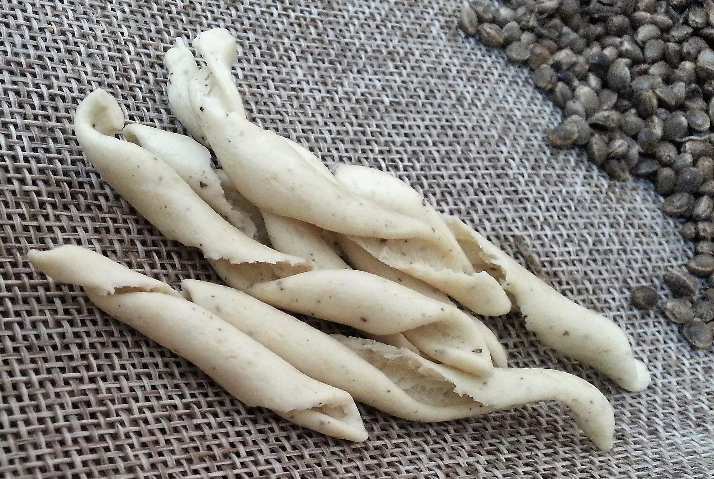 Strozzapreti artigianali con farina di semi interi di Canapa e grano duro italiano
