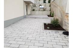 Toric Bau - Einfamilienhaus Außenanlage, Pflastera