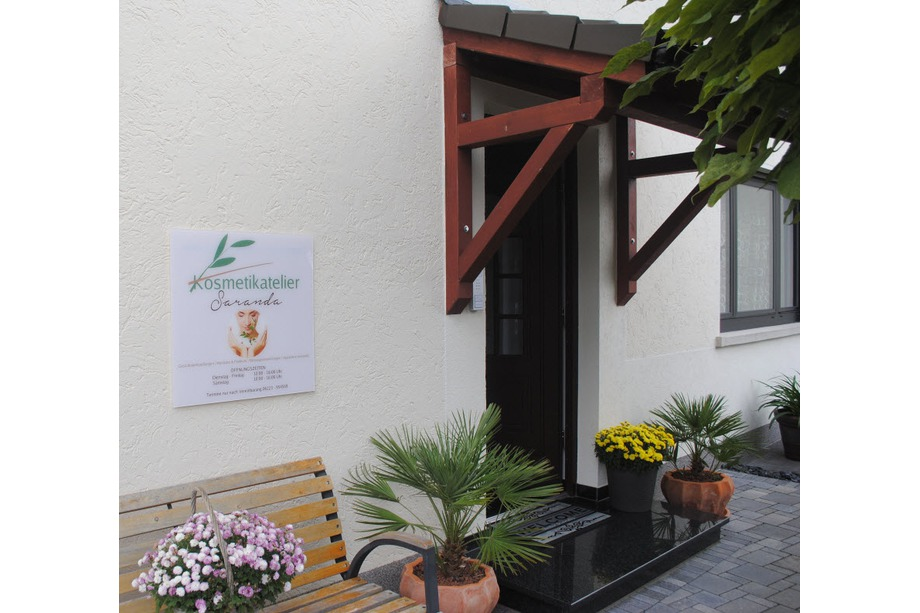 Eingangbereich Kosmetikatelier Saranda