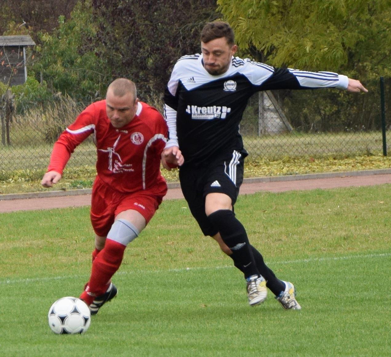 Danilo Schröder (r.) erzielte den 2:2-Ausgleich