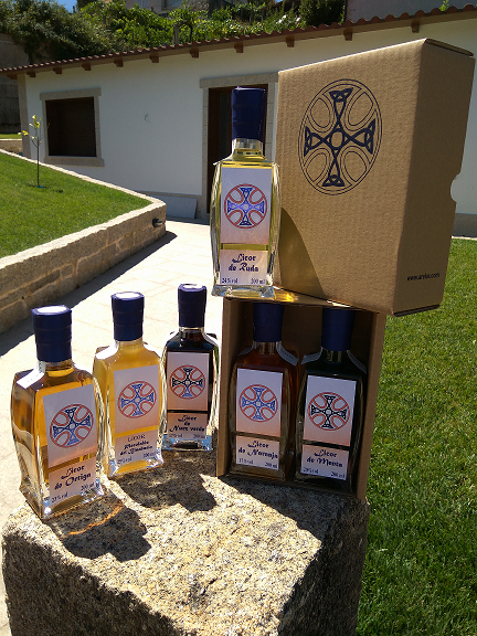 """Pack de 2 botellas de 200ml: """"Piscolabis del Bisabuelo"""" + otra variedad"""