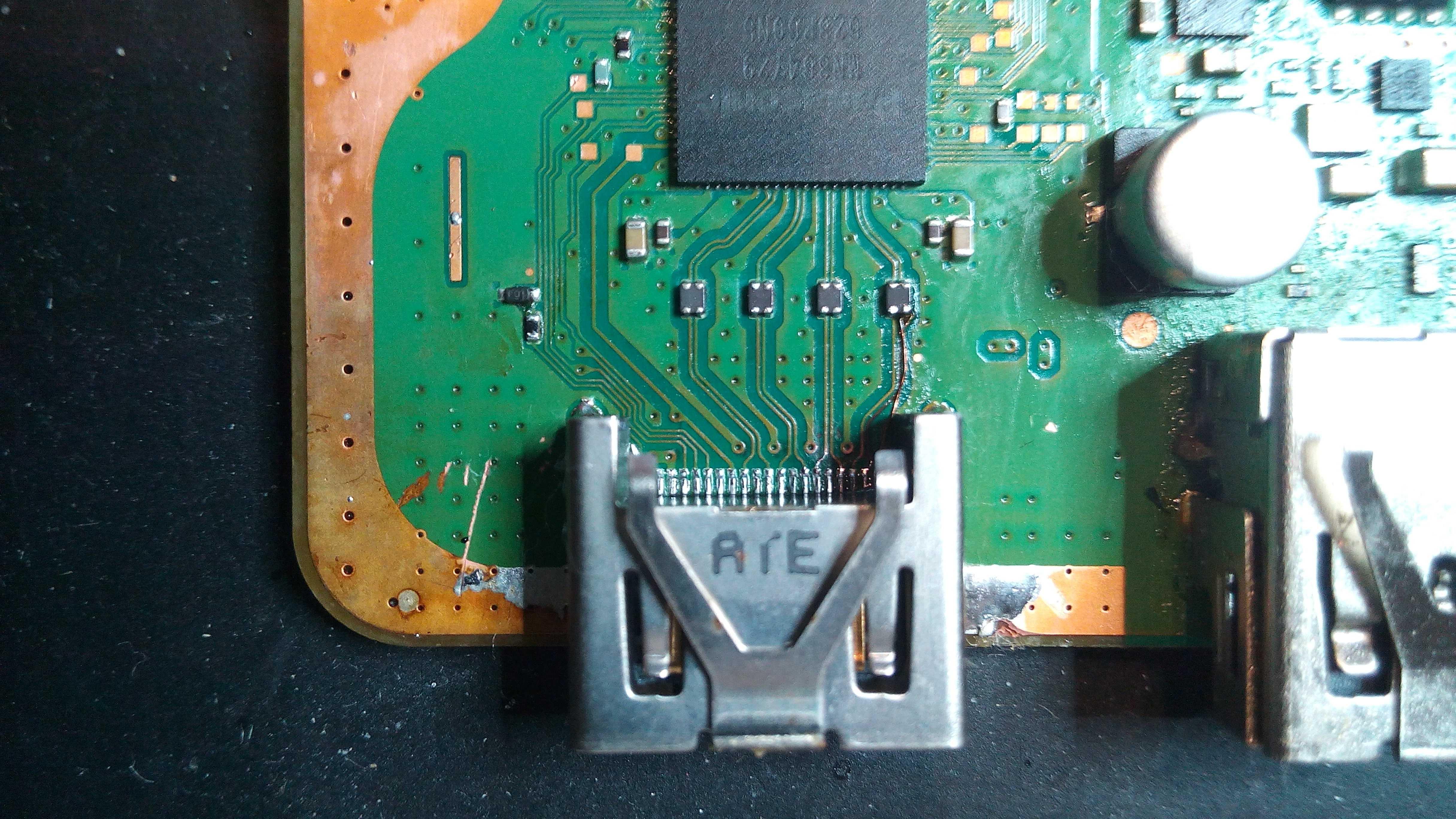 PS4 Slim & Pro. Konsole Startet und Leuchtet Weiß bringt aber kein Bild auf den Fernseher. HDMI Port Anschluss Reparatur 55,00€ Weitere Details unten.