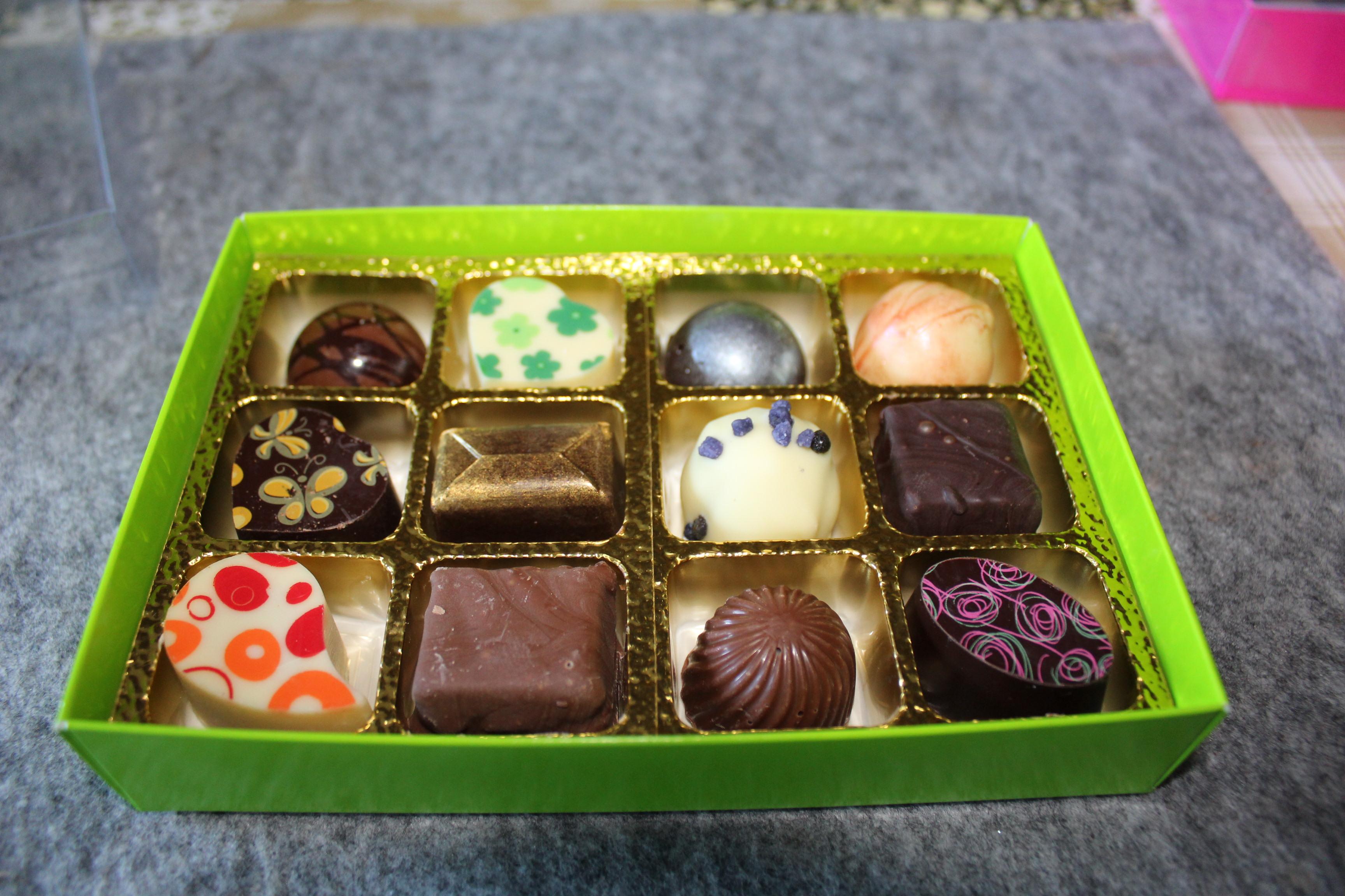 Large mixed box