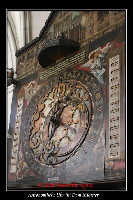 Astronomische Uhr im Paulusdom