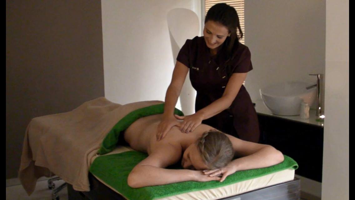 Schwerlos Peeling, Packung, Massage