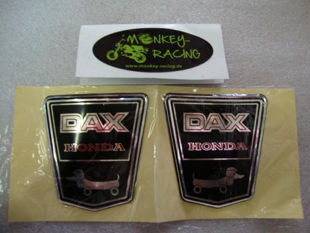 Emblem Funny Dog Set für Dax 12V  17,50 EUR
